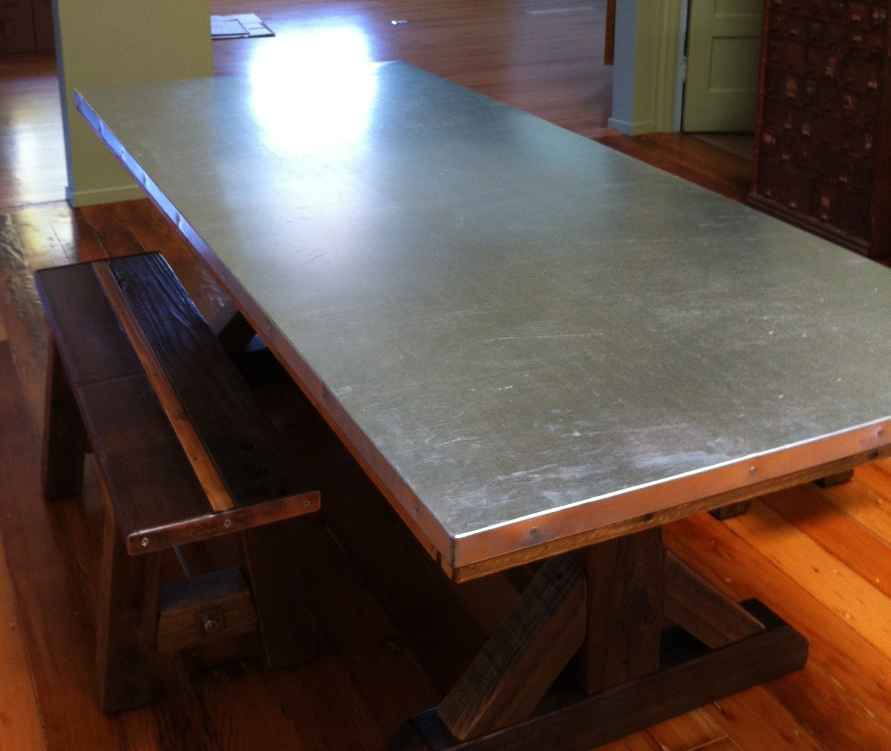 Work Table built by Terra Amico installed in the Create room of Oddyssea Half Moon Bay - Explore. Create. Discover.